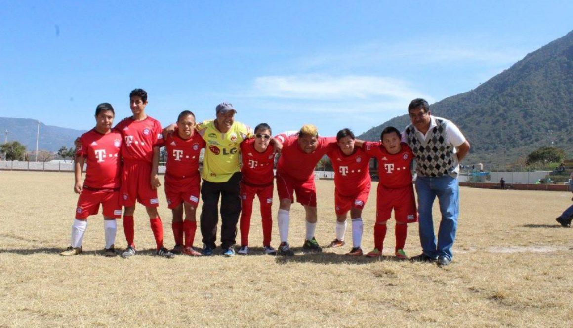 Partido de futbol de niños down (7)